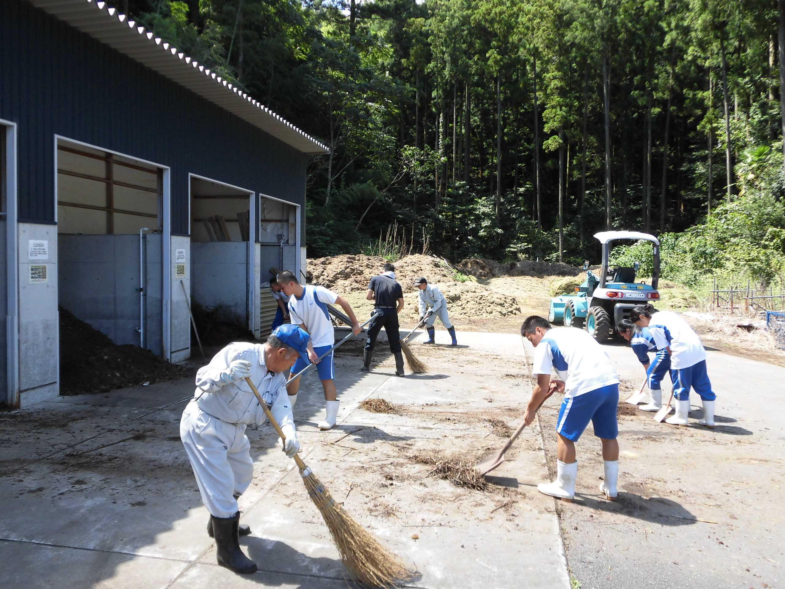 082_刈草バイオマス工房・未来での活動の様子